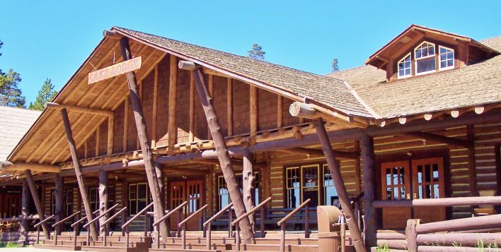 Lake lodge yellowstone national park me my heart for Log cabins in yellowstone national park