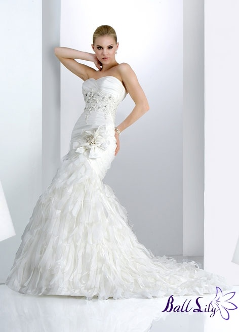 Wedding Gowns For USD 500 : Pin by addie kahl on when the time comes
