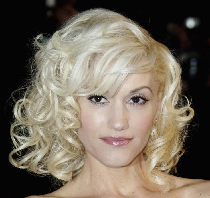 Прически на короткие волосы блондинки фото