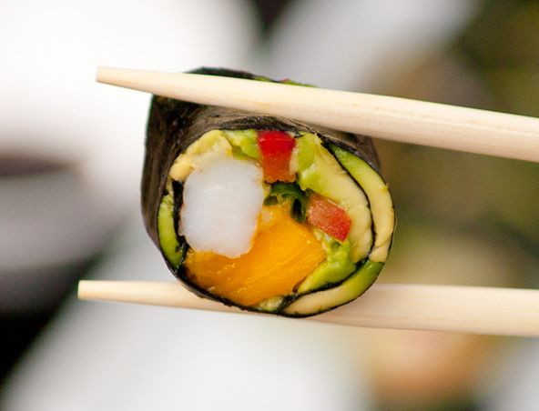 Paleo California rolls: no soy, no rice, lots of flavorful fun. Mango, smoked salmon, avocado, shrimp, red pepper... who needs rice?