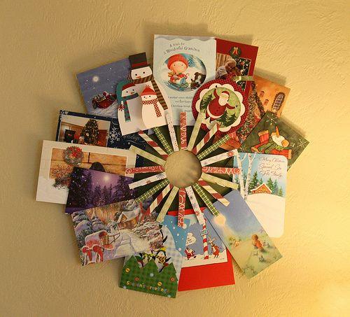 http://sweetlittlesmoothie.blogspot.com.au/2011/12/christmas-card-holder.html