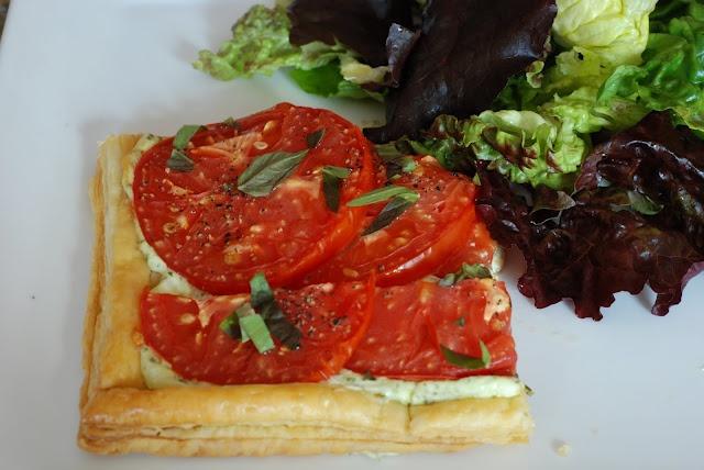 tomato basil tart! | Somethin to eat, somethin sweet | Pinterest