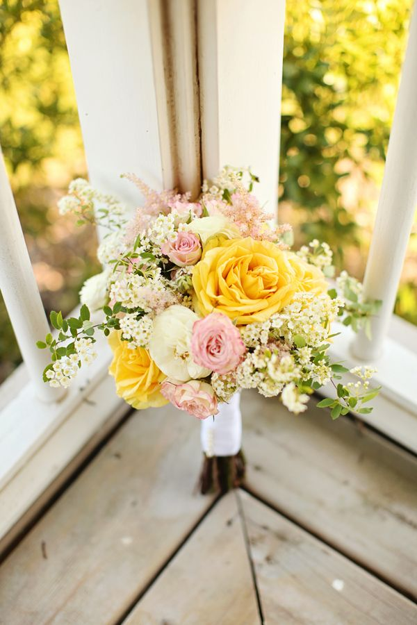 rustic yellow and pink bouquet http://www.weddingchicks.com/2013/08/30/summer-wedding-bouquets/