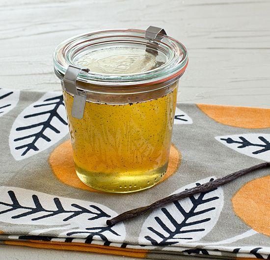 Homemade vanilla syrup - perfect for cream soda!