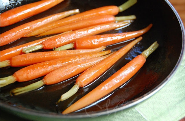 Pan-Roasted Maple Carrots | Fruits and Veggies | Pinterest