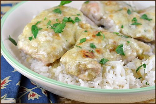 ... of prep, and only uses one pan? Try this Salsa Verde Chicken Bake