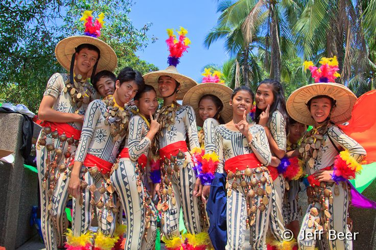 essay about filipino culture and tradition Customs and traditions in celebrating christmas in the philippines @ below are the customs and traditions on how filipinos enjoy watering traditional filipino.