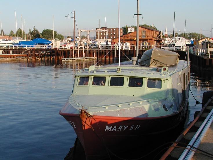 Fishing boat in dunkirk ny harbor navigating life for Fishing boats ny