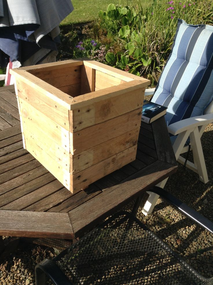 Box planter Things to make with pallets