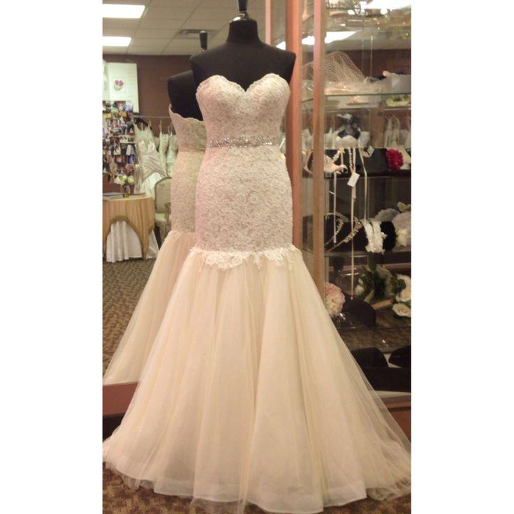 Essence of australia wedding dress wedding gowns we love for Essence australia wedding dresses