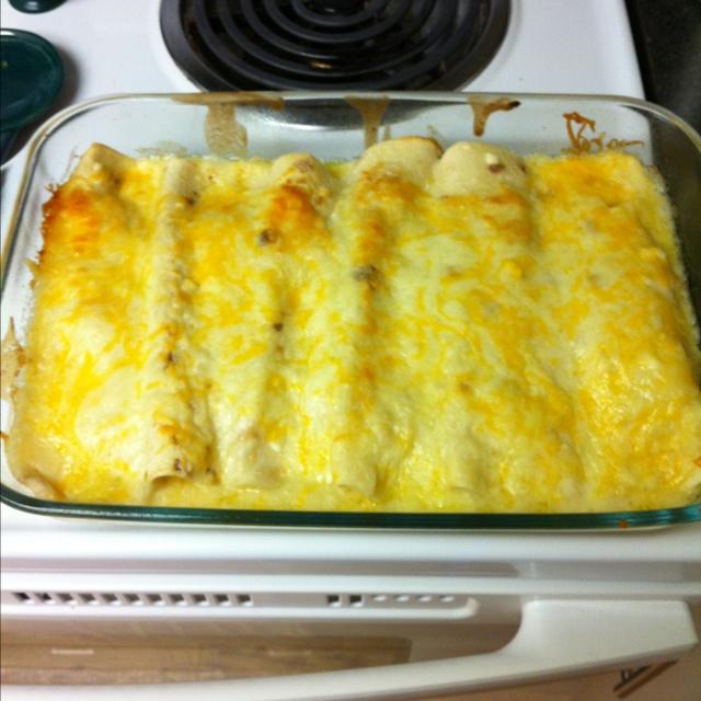 Sour cream chicken enchiladas! | Food | Pinterest