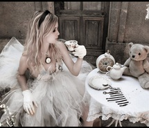 Inspiring picture alice, alice in wonderland, clock, dress, girl, love. Resolution: 500x377 px. Find the picture to your taste!