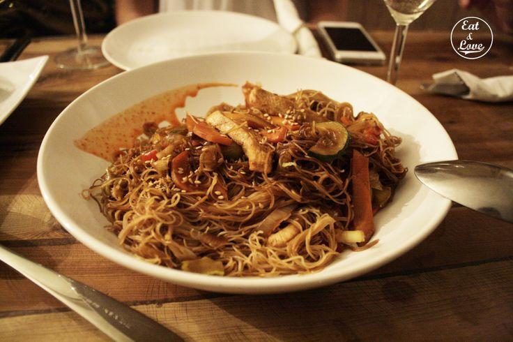 Wok con verduritas, pollo y salsa de soja - Blanca 6 restaurante Madrid