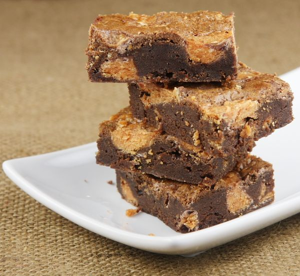 Butterfinger Brownies. My favorite candy bar is a Butterfinger so ...