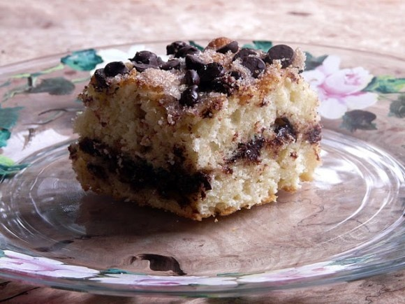 Cinnamon-chocolate chip sour cream coffee cake