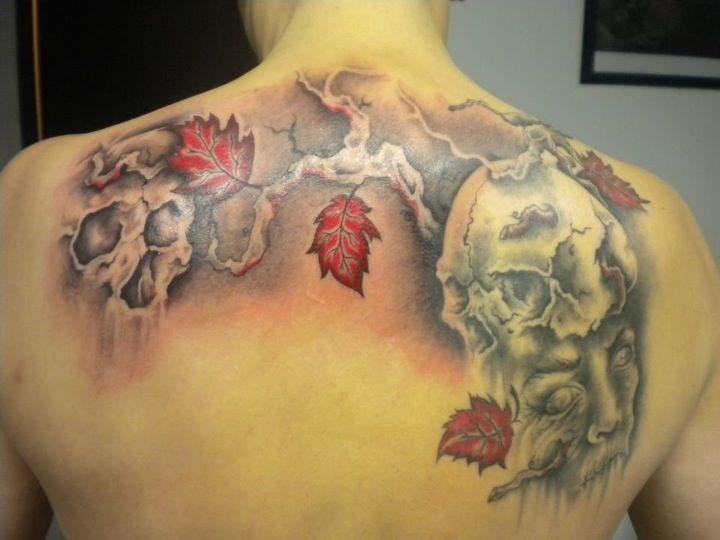 Dominique rizzi sommeli re en chef du restaurant de jangeli son tatouage ce sont des feuilles - Tatouage trefle a 4 feuilles ...