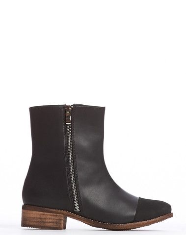 Arden Wohl x CDC Percy Double Zip Flat Boot - Black – Cri de Coeur