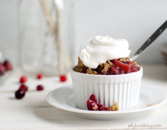 Jelly Toast: mini cranberry apple crisps | Dessert Ideas | Pinterest