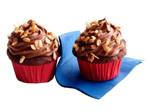 Crunchy Chocolate Malt Cupcakes #FNMag