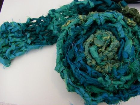 Free Knitting Patterns For Ribbon Scarves : recycled sari ribbon scarf 005 Free Knitting Patterns (Scarves) P?