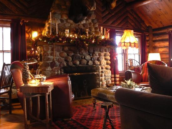 cabin stone fireplace stone fireplaces pinterest