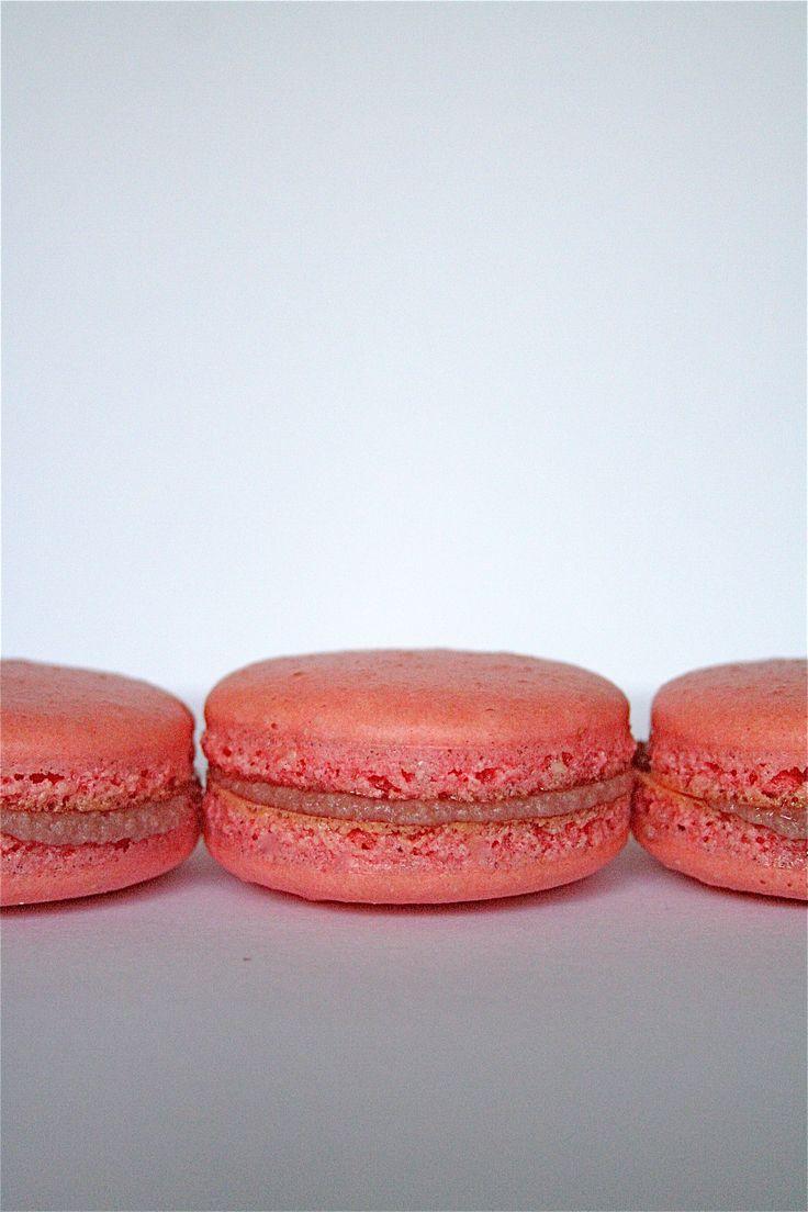 raspberry mascarpone macarons | Haha LOL omg | Pinterest