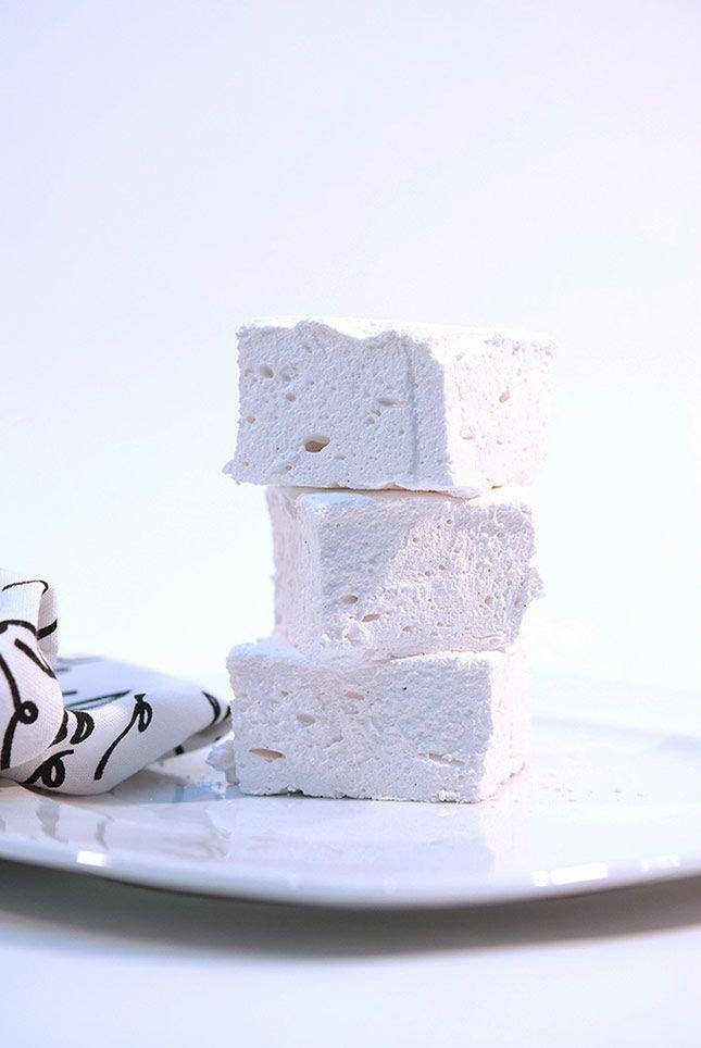Homemade Vanilla Marshmallows (S'mores Part 1) from @Beanilla