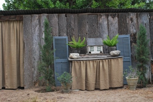how to use burlap in gardening