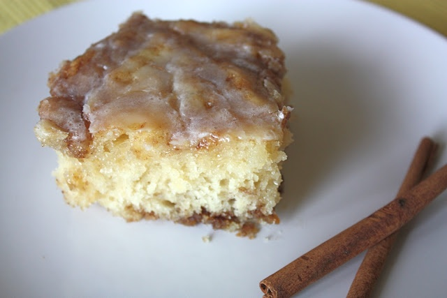 Buttery Cinnabun Cake from Picky Palate | delish for tisch | Pinterest