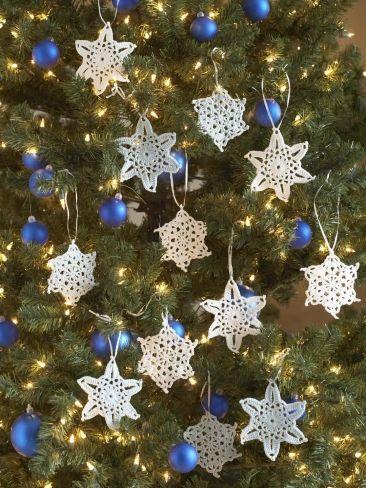 Yarn Snowflakes-- free crochet patterns | crochet