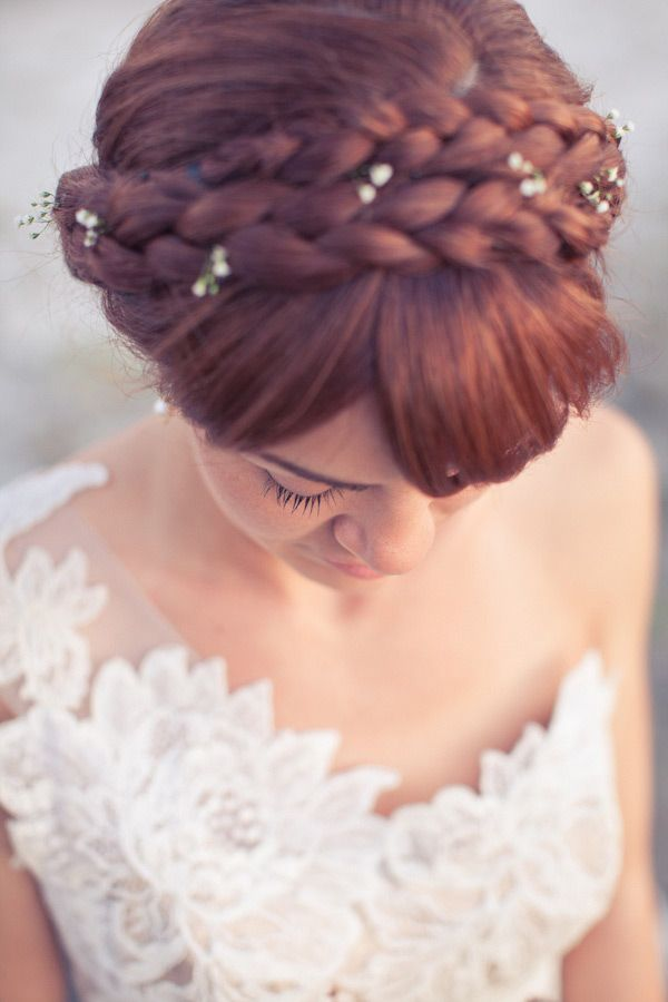 Hairstyles Halo : halo braid hairstyle with flowers hair Pinterest