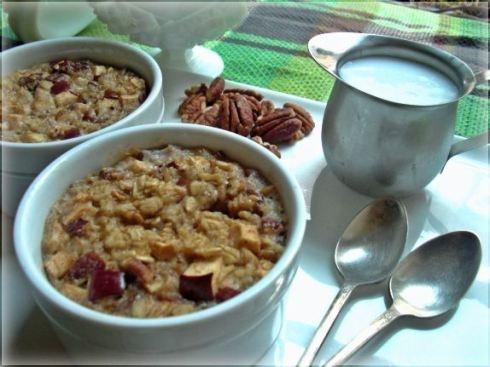 Apple Pie Baked Oatmeal | i love food. | Pinterest