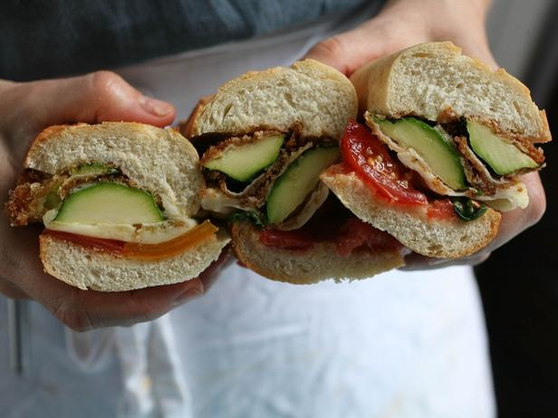 Zucchini Parmesan Subs with Tomatoes and Basil #BestThingOnSlicedBread