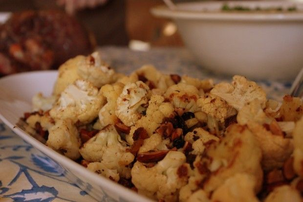 Roasted cauliflower with almonds, raisins and capers