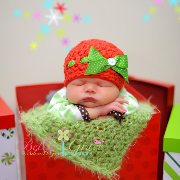 Mistletoe ... Newborn Photo Prop .. Bow Hat .. Christmas baby hat .. Newborn Girl Hat .. Newborn Size. $30.00, via Etsy.