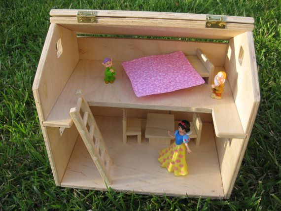 Make your own dollhouse!  Kid Craft Resources  Pinterest