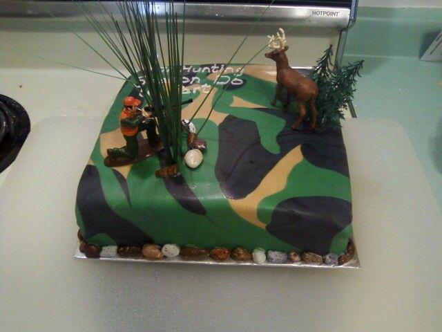 camo fondant cake