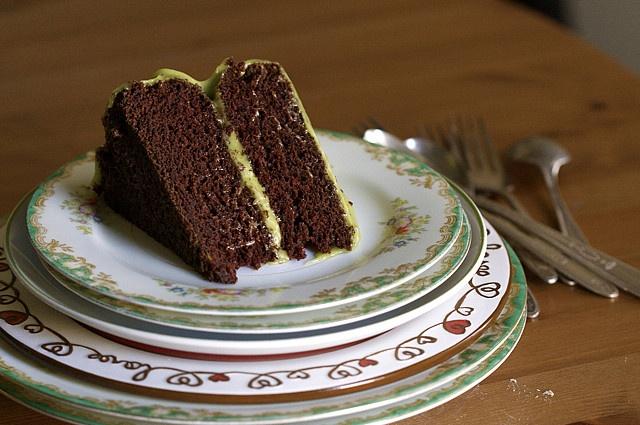 Vegan Chocolate Avocado Cake: I kid you NOT! Avocado icing and joy the ...