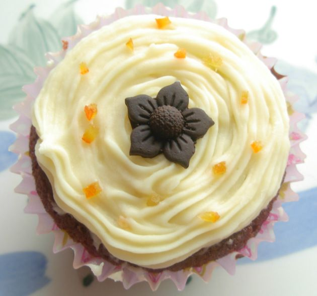 Chocolate and Orange Marmalade Cupcakes from Vohn - http://vohnmcg.com ...