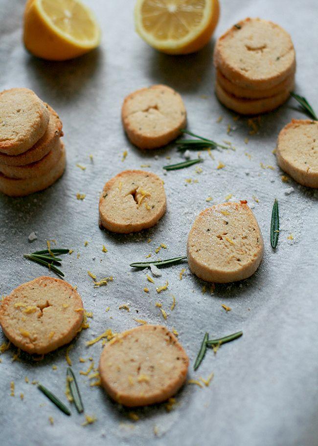 Lemon-Rosemary Shortbread Cookies | What Dress Code?