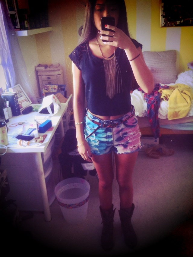 Tie dye levi's shorts, f21 shoulder lace crop too, braided old navy