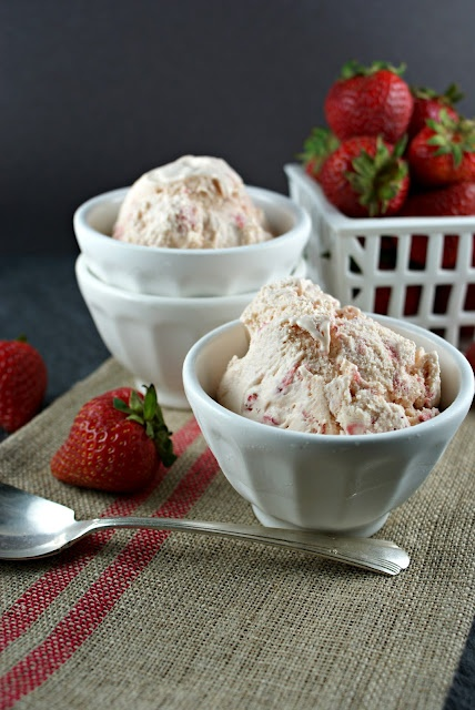 Strawberry Balsamic Ice Cream from @Lisa |Authentic Suburban Gourmet