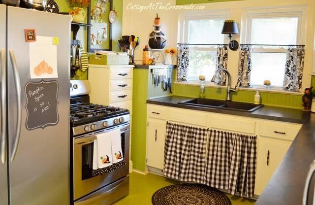 Cute Cottage Kitchen Green Pretty Kitchens Pinterest