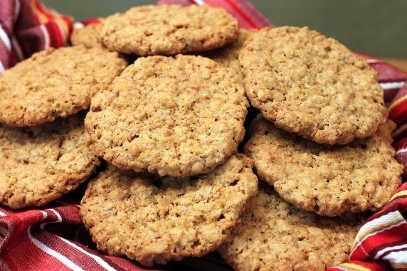 Whole Grain Thin and Crispy Oatmeal Cookies | Recipe