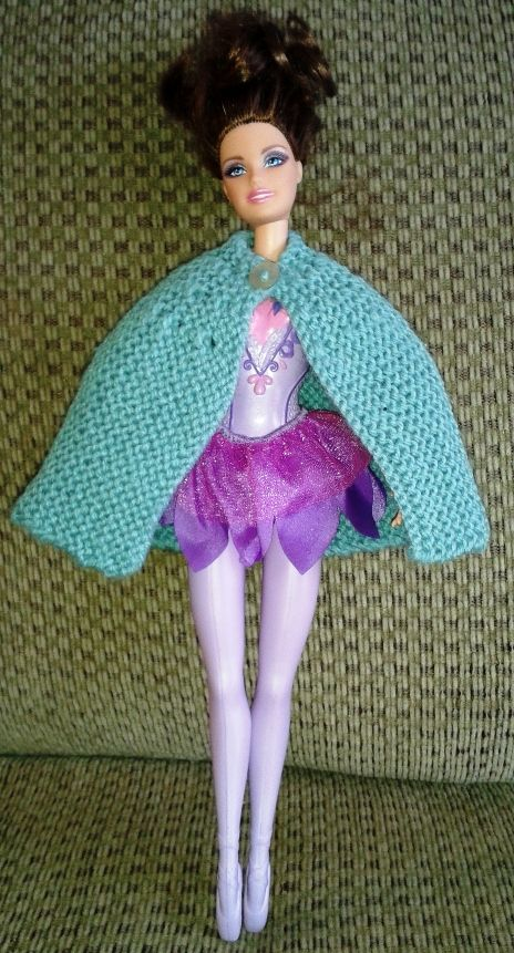 Knit Barbie cape free pattern doll stuff Pinterest