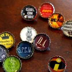 Make your own resin bottle cap pins. Plus a free printable with The Hunger Games, Harry Potter and more images to get you started.