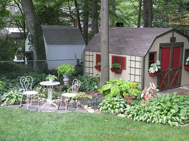 Pretty little garden shed my very own lil garden shed for Very small garden sheds