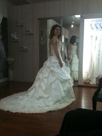 Belle Féérie 2010 - Pronuptia  Robes de mariée et articles de ...