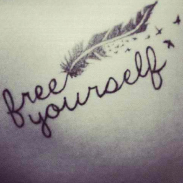 Tattoo free yourself significado