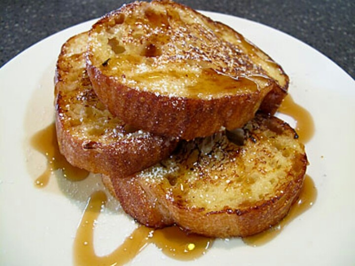 simply french toast with maple syrup. | {Food} Favorite food 'n desse ...